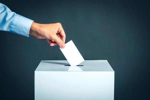 Annulation de l'élection d'un élu du sexe surreprésenté : pas d'incidence sur sa candidature
