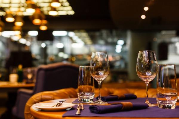 Repas et soirées en vue de renforcer la cohésion des collaborateurs : frais d'entreprise ?