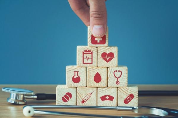 COVID-19 : un nouveau décret adapte le champ d'action des médecins du travail et SST