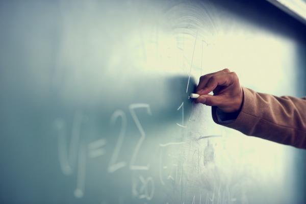 Mode de calcul des cotisations dues aux SST, par ETP ou per capita ? Renvoi d'une QPC